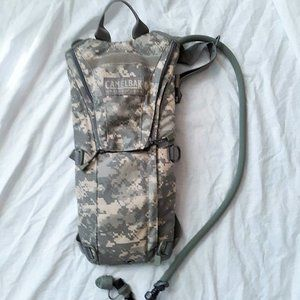 Camelback Maximum Gear 3L Digi Camo Hydration Pack